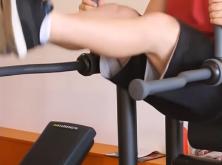 releve de jambes suspendu